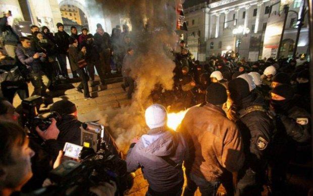 В центре Киева неспокойно, приближенные к власти покинули Майдан