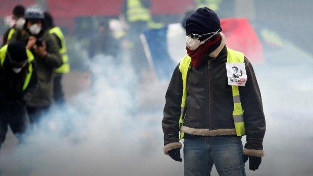 Протести жовтих жилетів у Франції: кількість загиблих різко зросла, ситуація виходить з-під контролю