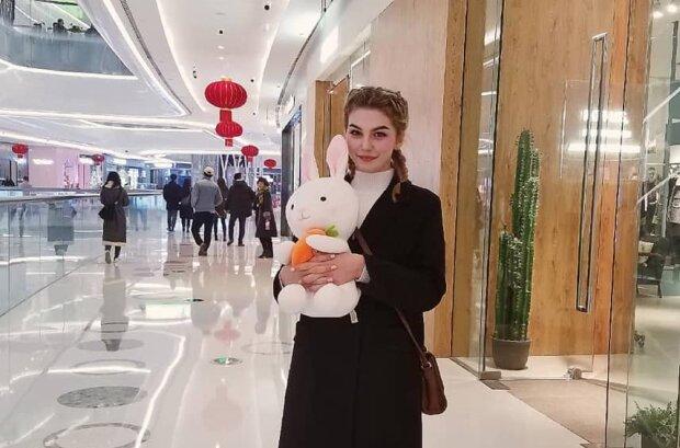 Коронавирус или родина, что страшнее? Юная красавица отказалась возвращаться в Украину из Уханю