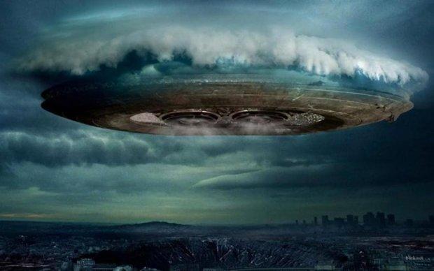 Маск позавидует: очевидцы засняли машину инопланетян