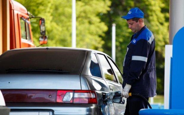 Мало платите: бензин в Украине снова подорожал