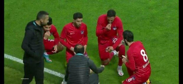 Футбольний матч, фото: скріншот з відео