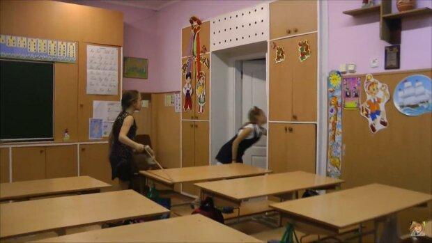 школярі / скріншот з відео