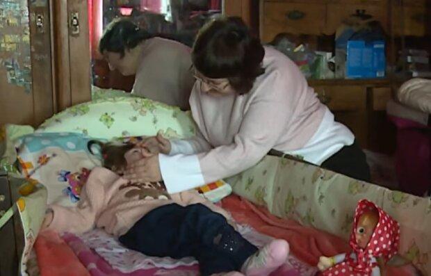 """Українка з онкологією кинула всі сили на порятунок маленької дочки: """"Боженка для мене все"""""""