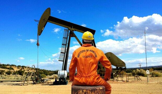 Видобуток нафти, фото Pxhere