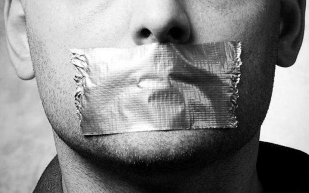 Темники и карманные политологи: как власть раздает указания нужным информаторам