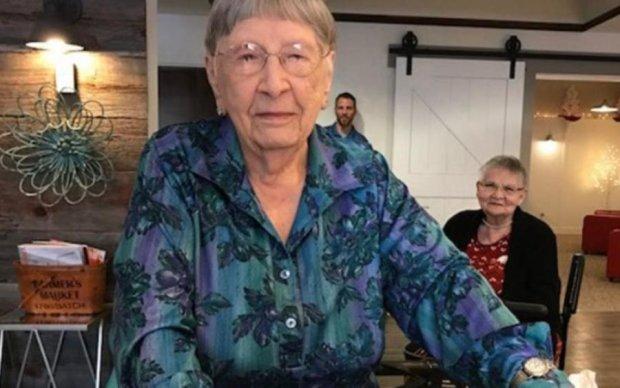 Небезпечний секрет довголіття: бабуся якимось чином прожила 104 роки