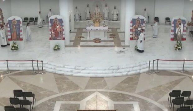 На Тернопольщине попам дарят золотые кресты, пока украинцы седеют над минималкой