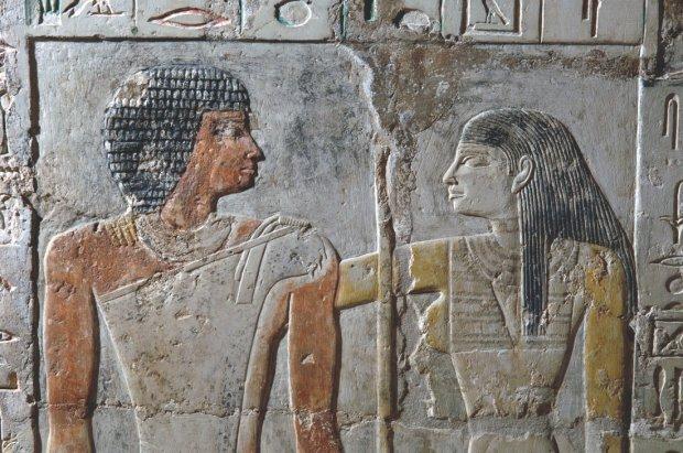 Высокая поэзия и мандрагора: как древние египтяне признавались в любви
