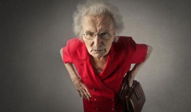 Пенсионерка избила грабительницу куском бекона