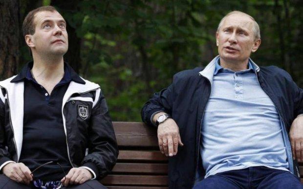Под конвоем Навального: казнь Медведева стала хитом сети