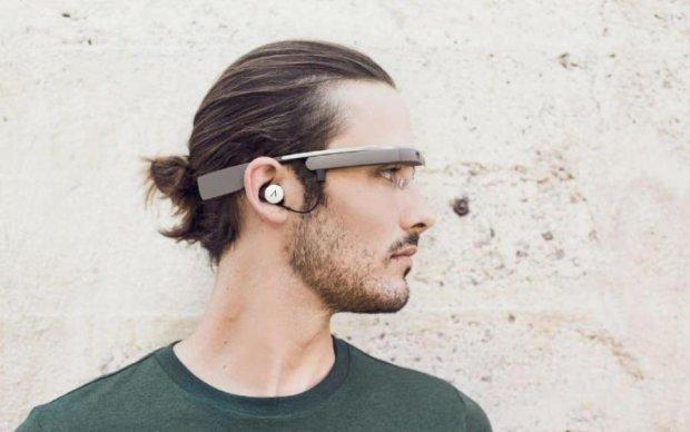 Oculus позмагається з Google Glass