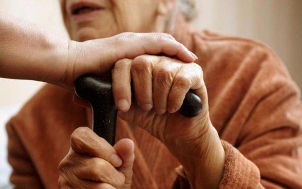 Настоящие нелюди: воры зверски поиздевались над  пенсионерами