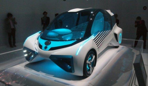 Toyota представила машину, которая питает дом (видео)