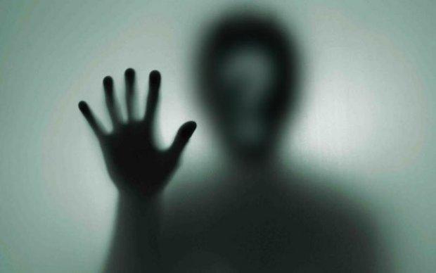 Призрак, который годами пугал жильцов дома, попал на видео