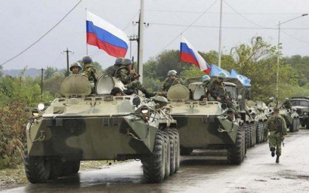 Озброєні до зубів путінські вояки підходять до кордону з Україною: фото