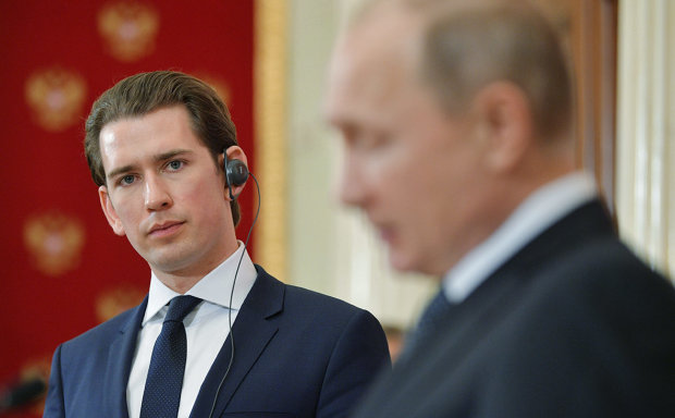 """Путину прилетел новогодний """"привет"""" из Европы: это за Украину"""