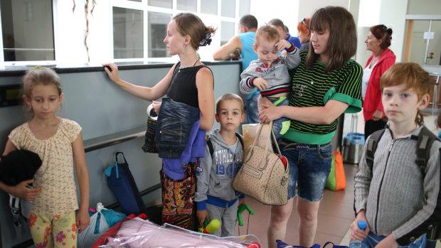 Скільки українців працюють закордоном. Підрахунки МВФ