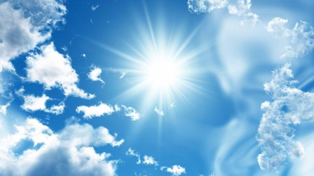 Три солнца над Китаем: очевидцы зафиксировали редкое явление