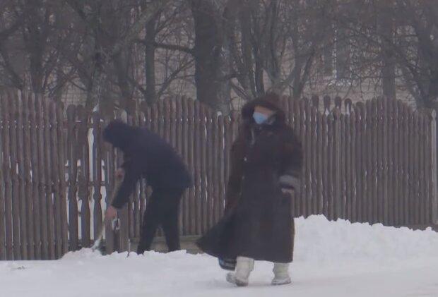 Снегопад в Украине, кадр из видео