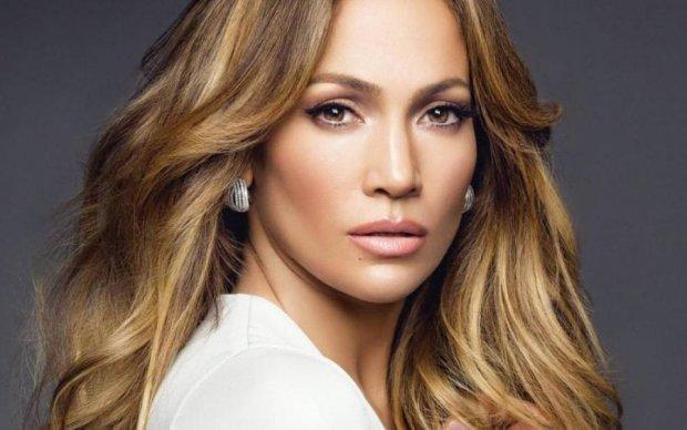Возраст не помеха: Дженнифер Лопес поделилась секретами красоты