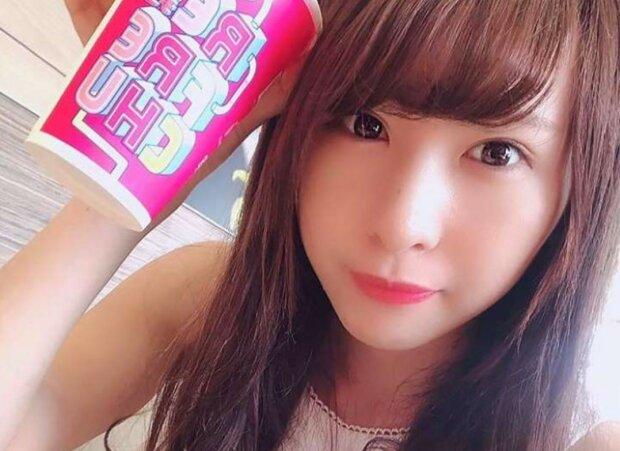 Выследил по отражению в глазах: в Японии произошло нападение на поп-певицу, такого не ожидал никто