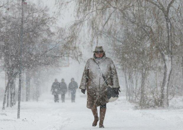 Безжалостная стихия сковала Тернополь, спасатели бьют тревогу: красный уровень