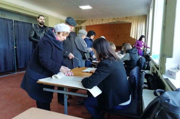 ЦВК опрацювала третину голосів: хто лідирує у передвиборчих перегонах