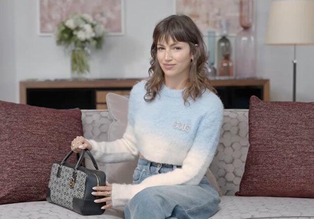 Урсула Корберо, кадр из видео