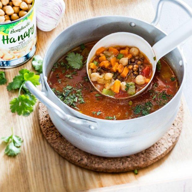 Цікавий рецепт супу з нуту і брокколі
