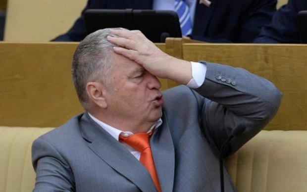 Лапал так, что руки тряслись: журналист обвинил Жириновского в домогательствах
