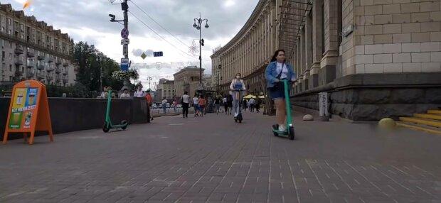Самокаты, фото: скриншот из видео