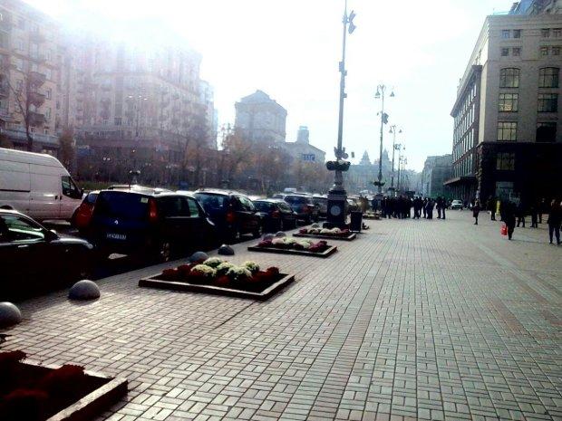 Київ затягує димом, у центрі столиці справжнє повстання, люди готові палити машини