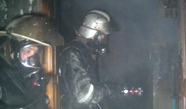 Пожежа в будинку забрала життя харків'янина (відео)