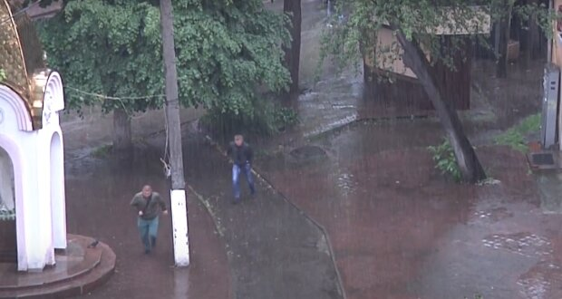 На Франківськ насувається водяний апокаліпсис, може потонути все - злякалися навіть синоптики