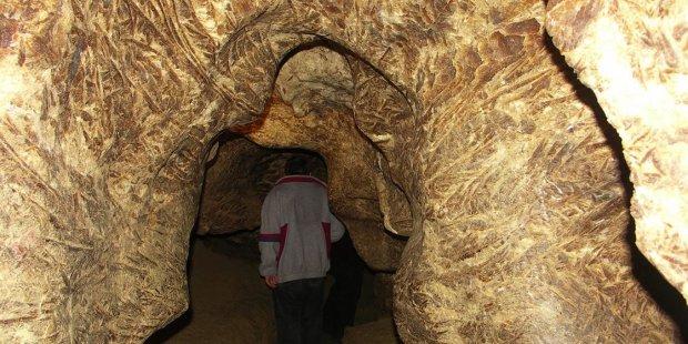 В Украине показали чудодейственную пещеру эпохи миоцена: исцеляет все