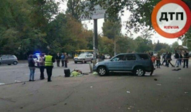 Пешеход спровоцировал ДТП с жертвами в Киеве