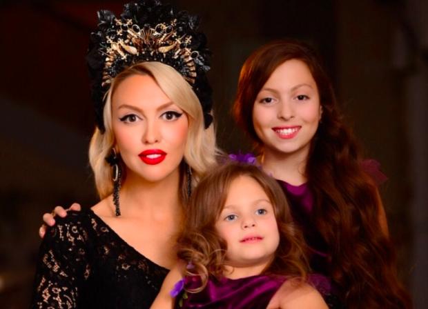 Полякова раскрыла главный секрет воспитания дочек: настоящая супер-мама