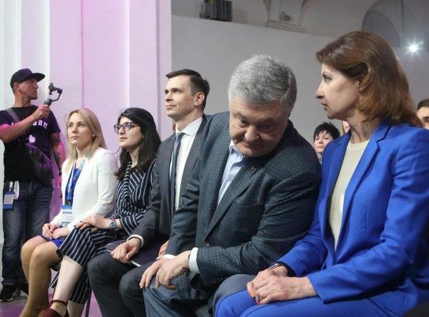 """Порошенко ризикує пролетіти повз Раду: українці відправлять екс-президента """"йти своїм шляхом"""""""