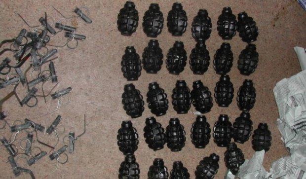 В Харьковской области в посылке обнаружили гранаты