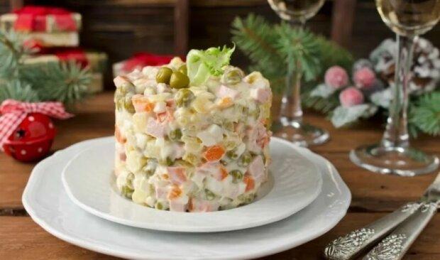 Не лише олів'є: три класичних салати для новорічного столу від Клопотенка