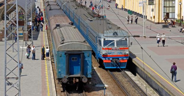 """Укрзализныця изрядно потрепала нервы пассажирам: """"Скотовози для быдла?"""""""