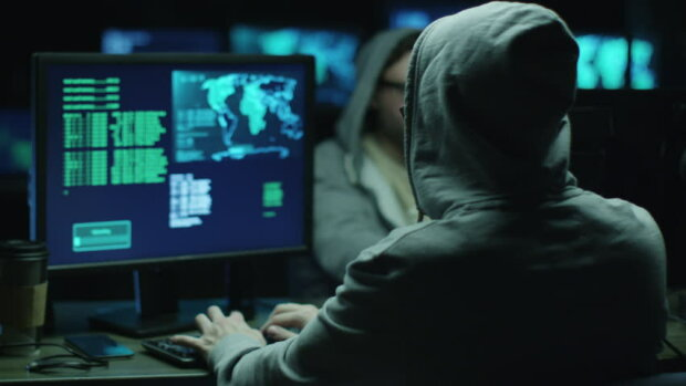 По мільйону за кожного: США пропонують величезні гроші за інфомацію про двох українських хакерів