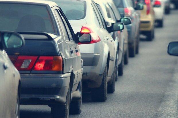 Автомобілістів оштрафують за забруднення повітря: готуються нові перевірки