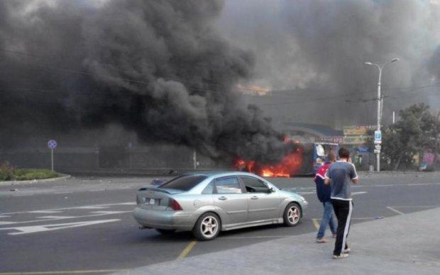Опубліковані кадри з місця вибухів у Луганську