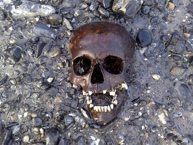"""Средневековый англичанин в сапогах """"приплыл"""" к археологам: фото"""