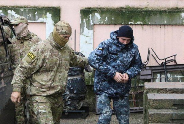 Путінські нелюди влаштували українським морякам солодке життя: адвокат б`є на сполох