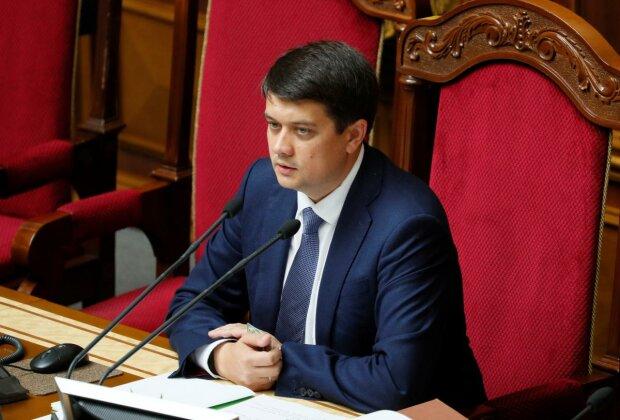 """Разумков поділився враженням про перше засідання Ради: """"Поспали по 3 години і готові"""""""