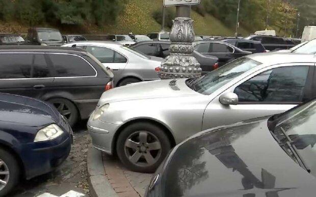 """В Украине будут """"вылавливать"""" евробляхеров: могут арестовать имущество"""