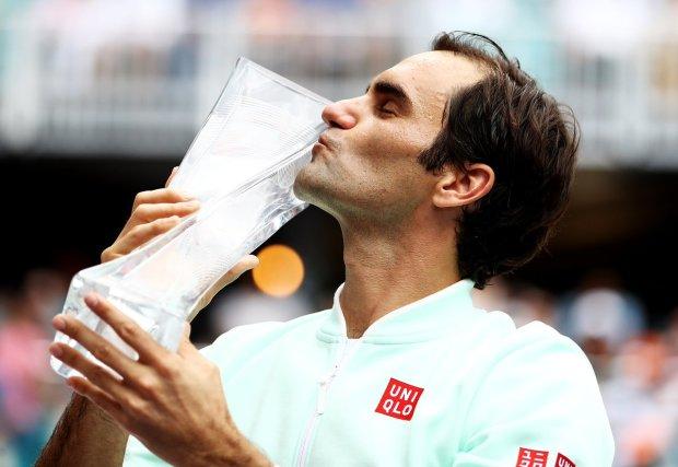 Роджер Федерер обыграл американца Джона Изнера и выиграл Miami Open
